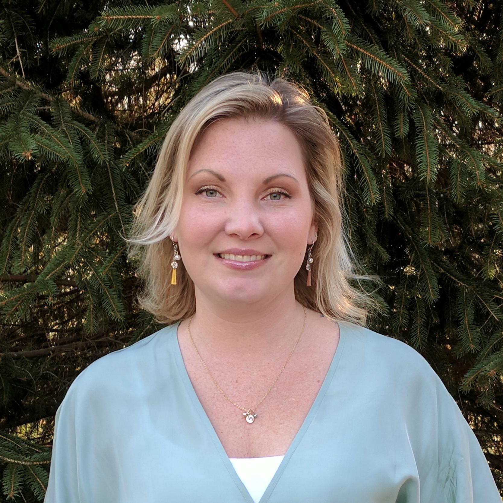 Lori Lindsay White, LPC